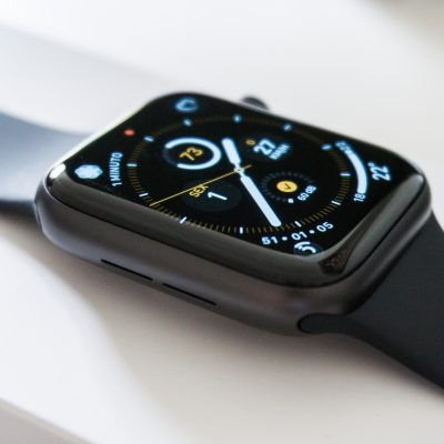 Como extrair água do Apple Watch? (slow motion)