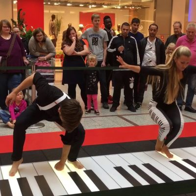 Walking Piano – arte pura!